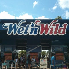 Photo taken at Wet 'N Wild by Khalid S. on 6/28/2013