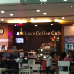 Photo taken at Love Coffee Café by Leong C. on 11/12/2012