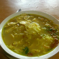 Photo taken at Soto Ngawi Margonda by Rio p. on 10/15/2012