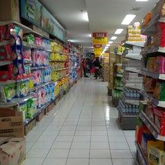 Photo taken at Hari Hari Pasar Swalayan by Hendryco C. on 10/21/2012