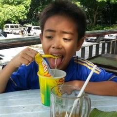 Photo taken at Gerai Bawah Pokok, Taman Tasik Perdana. by Zaipul A. on 11/18/2012
