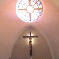 Photo taken at St. Stephen Martyr Catholic Church by Isabel Christyna B. on 4/4/2015