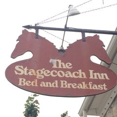 Photo taken at Stagecoach Inn Bed & Breakfast by Jen F. on 7/26/2015