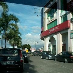 Photo taken at CimbBank, Bundusan Plaza by ^suzan^ v. on 11/29/2012