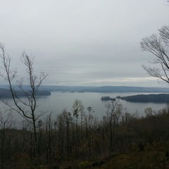 Photo taken at The Lodge At Lake Guntersville State Park by Tony S. on 3/31/2013