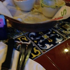 Photo taken at Chili's Grill & Bar by Roberto G. on 4/14/2014