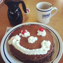Photo taken at IHOP by Bettina B. on 1/8/2013