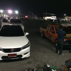 Photo taken at สนามแข่งรถ เทพนคร by ไอ้แหลม on 3/21/2014