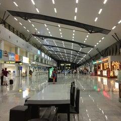 Photo taken at Da Nang International Airport (DAD) Sân bay Quốc tế Đà Nẵng by Roger on 7/28/2013