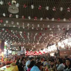 Photo taken at Mercado De Comidas San Camilito (Garibaldi) by Eduardo V. on 2/24/2013