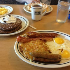 Photo taken at IHOP by Miriam V. on 7/30/2013