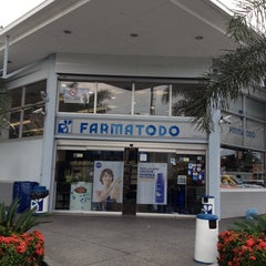 Photo taken at Farmatodo by Cripso P. on 10/5/2013