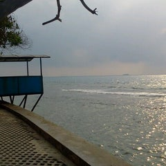 Photo taken at Gazzebo Pinggir Laut by firmana A. on 9/21/2012