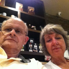 Photo taken at Gloria Jean's Coffees by Roy S. on 12/22/2012