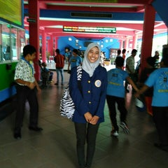 Photo taken at SMP Negeri 1 Surabaya by Amirah W. on 10/23/2015