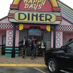 Photo taken at Happy Days Diner by Diana L. on 2/2/2013