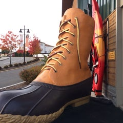 Photo taken at L.L.Bean by Eric A. on 11/9/2014