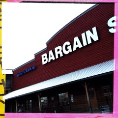 Photo taken at Bargain Shoes (The Jesus Store) by Brian Z. on 2/6/2014