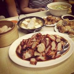 Photo taken at Wai Ying Fastfood (嶸嶸小食館) by Jupiter K. on 7/8/2013