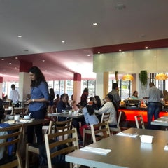 Photo taken at Azalea Restaurant by Teik Chuan L. on 6/7/2014