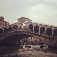 Photo taken at Mercato di Rialto by Oka on 5/3/2013