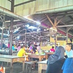 Photo taken at Sate Maranggi Cibungur by Anne A. on 9/19/2015