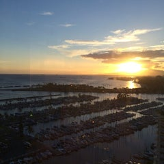 Photo taken at Waikiki Marina Resort at the Ilikai by Aya N. on 7/8/2014