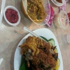 Photo taken at Kabayan Filipino Fast Food Restaurant by MarCie B. on 6/27/2015