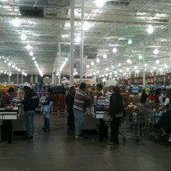 Photo taken at Costco by Victor Hugo D. on 3/1/2013