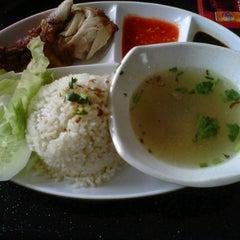 Photo taken at Restoran Soto Shah Alam by Atiqa A. on 12/6/2012
