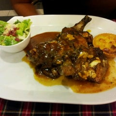 Photo taken at Laman Grill Steak & Bar-B-Que by Fatin H. on 10/11/2012