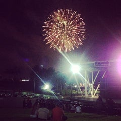 Photo taken at Bayfront Park Amphitheater by TL Cargo envios a. on 7/5/2013