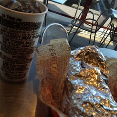 Photo taken at Chipotle Mexican Grill by Benjamin G. on 8/21/2012