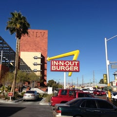 Photo taken at In-N-Out Burger by Brian C. on 2/5/2013