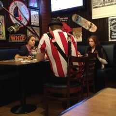 Photo taken at T.G.I. Friday's by Petit C. on 11/8/2012