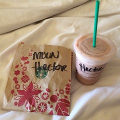 Photo taken at Starbucks by Hec T. on 11/7/2014