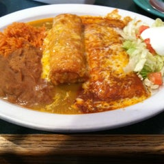 Photo taken at Las Caras Mexican Grill by Msi Da'vid .. on 4/15/2013