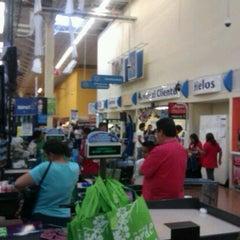 Photo taken at Walmart Libramiento Norte by Pichi P. on 10/23/2012
