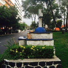 Photo taken at Av. Río Mixcoac by Squid B. on 9/1/2015