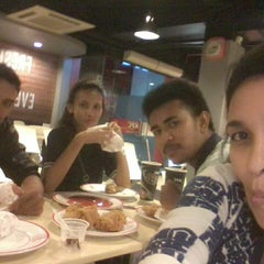 Photo taken at KFC / KFC Coffee by Christin D. on 10/7/2014