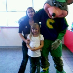 Photo taken at Chuck E. Cheese's by Mary G. on 11/8/2012