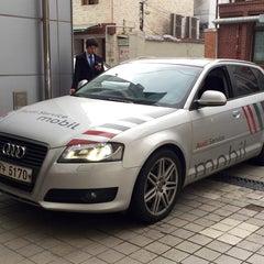 Photo taken at 아우디 용산 서비스센터 (Audi Yongsan Service) by Jean P. on 4/2/2015