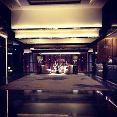 Photo taken at The Ritz-Carlton, Hong Kong by みつば on 7/12/2013