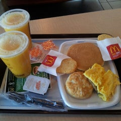 Photo taken at McDonald's by Herbert B. on 3/14/2014