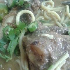 Photo taken at Restoran ZZ Sup Tulang by rr on 12/18/2012