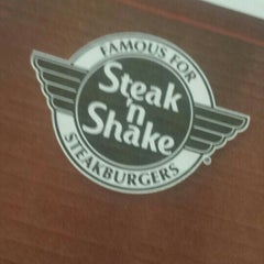 Photo taken at Steak 'n Shake by Rich L. on 6/17/2015