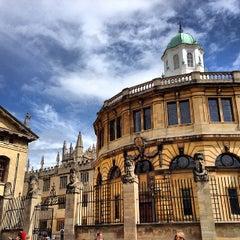 Photo taken at Bodleian Library by Lo L. on 6/24/2013