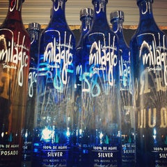 Photo taken at Lee's Discount Liquor by Joel J. on 6/1/2013