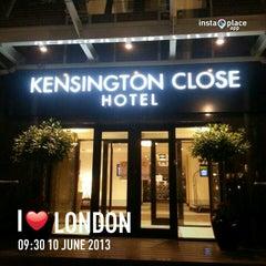 Photo taken at Kensington Close Hotel by Jirapat N. on 6/11/2013