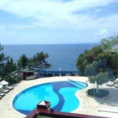 Photo taken at Antalya Hotel by Rahmi Z. on 8/18/2013